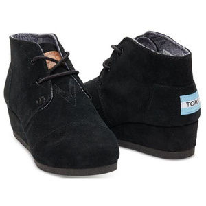 Tom's 'Desert Wedge' Bootie in BLACK SUEDE (Y12)